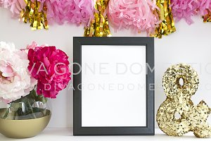 Styled Photo Frame - Tassel Garland