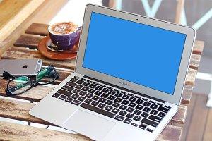MacBook Air Mockup + Smart Object