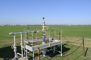 The equipment and technologies on oil fields. Oil well