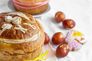 Easter cake and red eggs