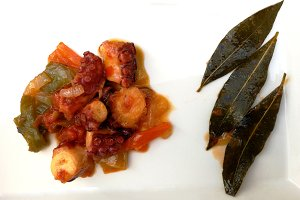 Octopus with fried vegetables