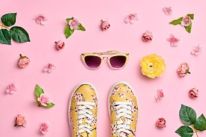 Fashion Woman Accessories Set. Pink