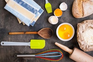 Kitchen baking utensils