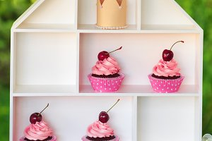 cupcakes on creative white stand