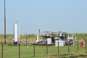 Equipment for oil separation