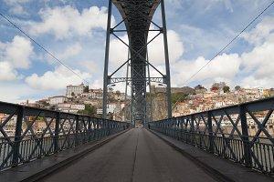 Ponte Luiz I Bridge in Porto