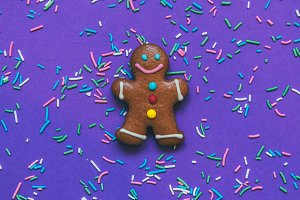the gingerbread man on ultra violet