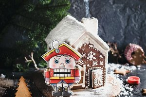 Gingerbread house and The Nutcracker