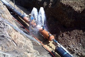 Pressure testing of the pipeline at construction