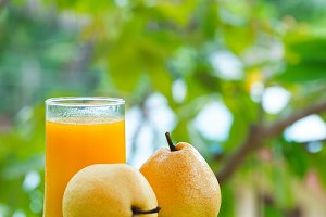 pear fruit juice