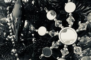 Glitter star ornament - BW