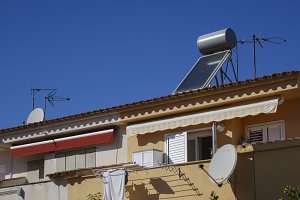 Solar panel water tank