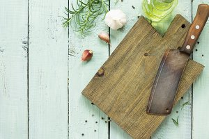 Empty cutting board and аncient meat