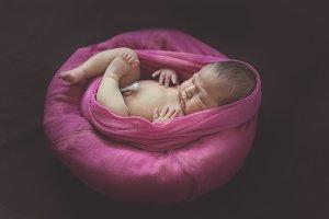 newborn baby posing, toning