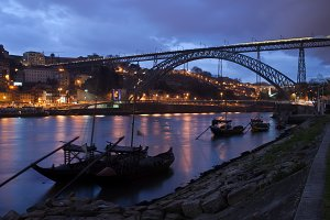 Dom Luiz I Bridge in Porto at Dusk