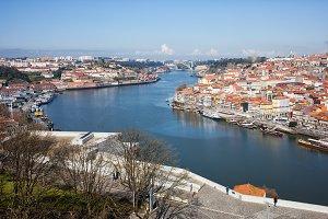 Gaia and Porto Cityscape
