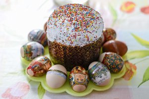 Easter cake and colored eggs. Orthodox Easter