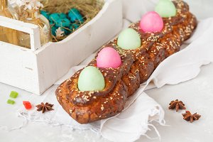 Traditional Greek Easter bread - tso