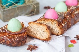 Greek Easter bread - tsoureki