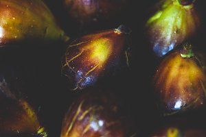 Close-up of fresh ripe purple figs