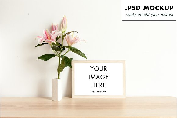 Frame mock up with flowers