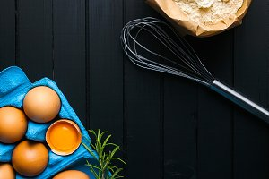 eggs in a blue paper container , flo