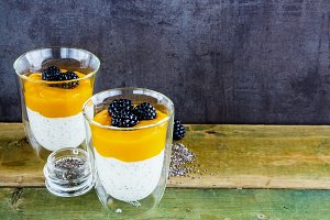 Mango yogurt pudding
