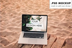 Laptop PSD at the beach