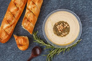 hummus with pine nuts