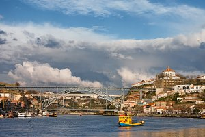 Cities of Gaia and Porto Cityscape