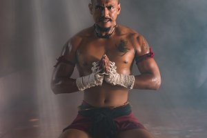 Muay Thai Chaiya Worshiper