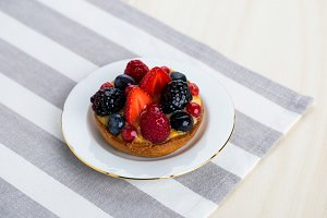 Red fruits tart