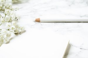 Feminine Office | White Desk Flatlay