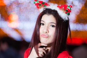 Santa woman dressing.