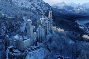 4k Snowfall on Neuschwanstein Castle