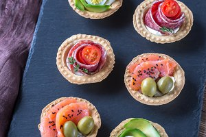 Tartlets with different topics