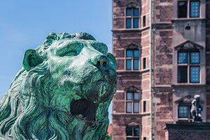 Sculpture of lion against Rosenborg