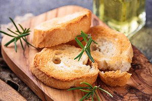 Toasted bread with olive oil and rosemary