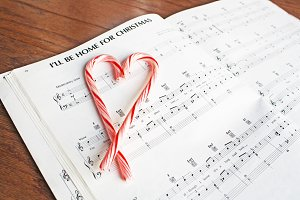 Candy cane heart and music