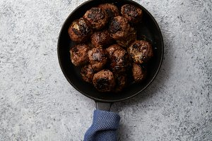 Traditional swedish beef meatballs