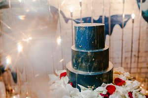 wedding cake in blue