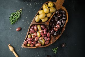 assorted of marinated olives