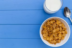 Cornflakes breakfast cereal bowl