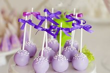 cake-pops with ribbons