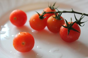 Fresh and delicious cherry tomatoes