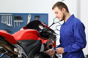 Concentrated motorcycle mechanic