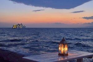 Lantern, cruise