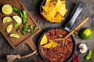 Chili con carne in frying pan