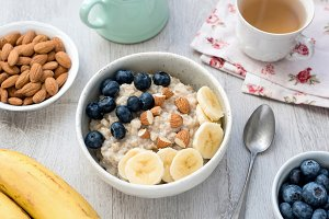 Healthy Breakfast Oatmeal Porridge