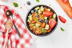 Granola with fresh berries